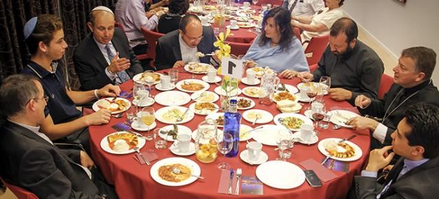 Cena de ruptura del ayuno (Iftar)