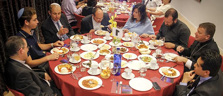 Cena de Ramadán- Representantes religiosos