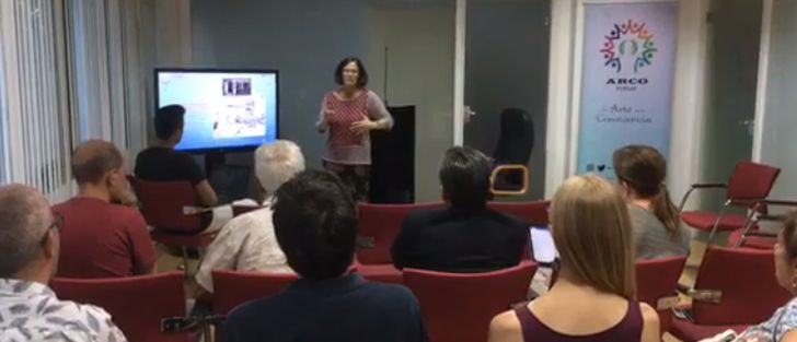Charla-coloquiocon Sophia Pandya